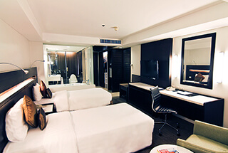 Century Park Hotel's Deluxe Room image